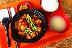 杨鸣宇黄焖鸡米饭